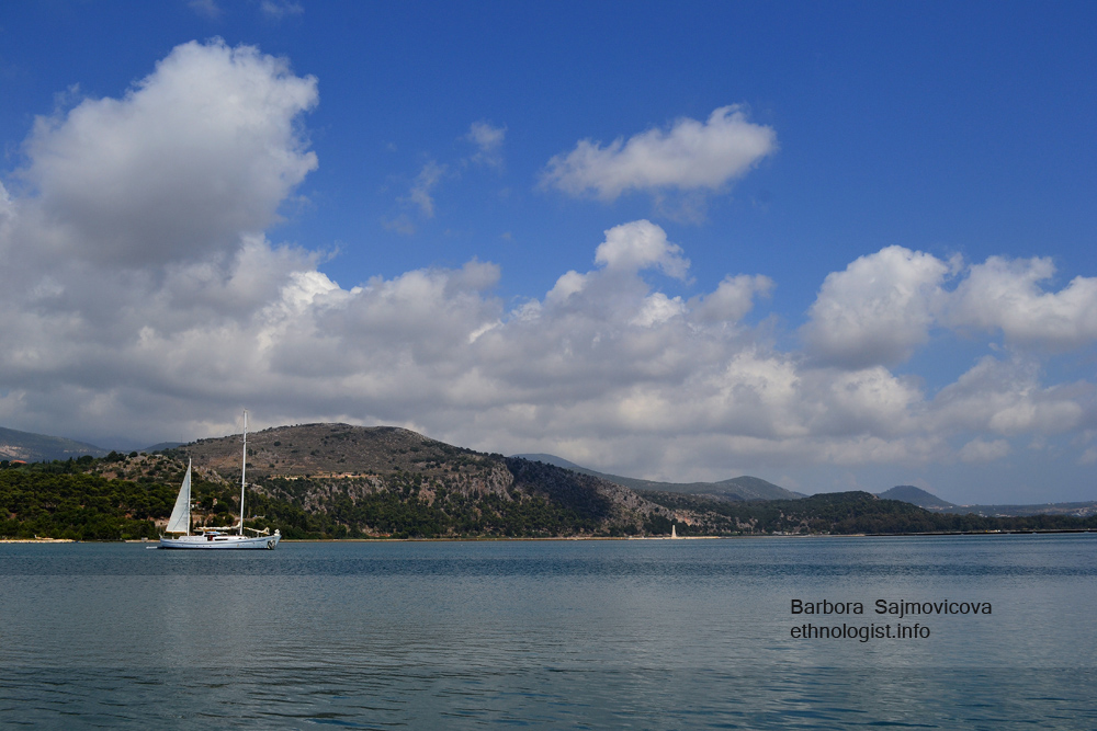 Pohled na moře v Argostoli v Kefalonii. Foto: Barbora Šajmovičová, Nikon D3100, 2014.