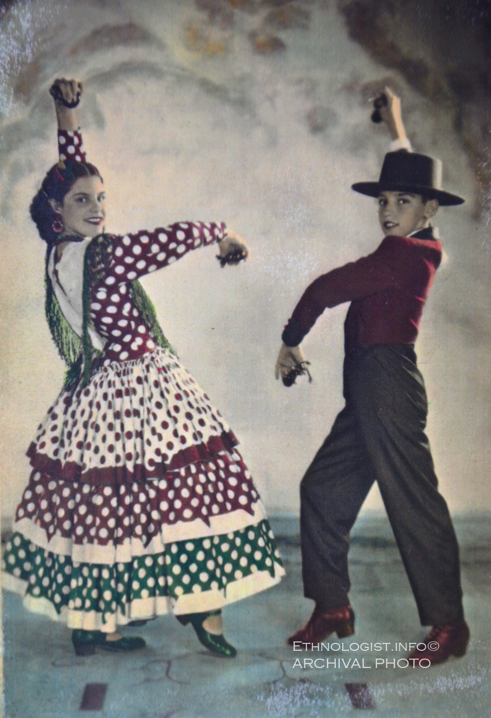 Děti narozené v Uruguayi italsko-španělským imigrantům. Archivní fotografie: ethnologist.info