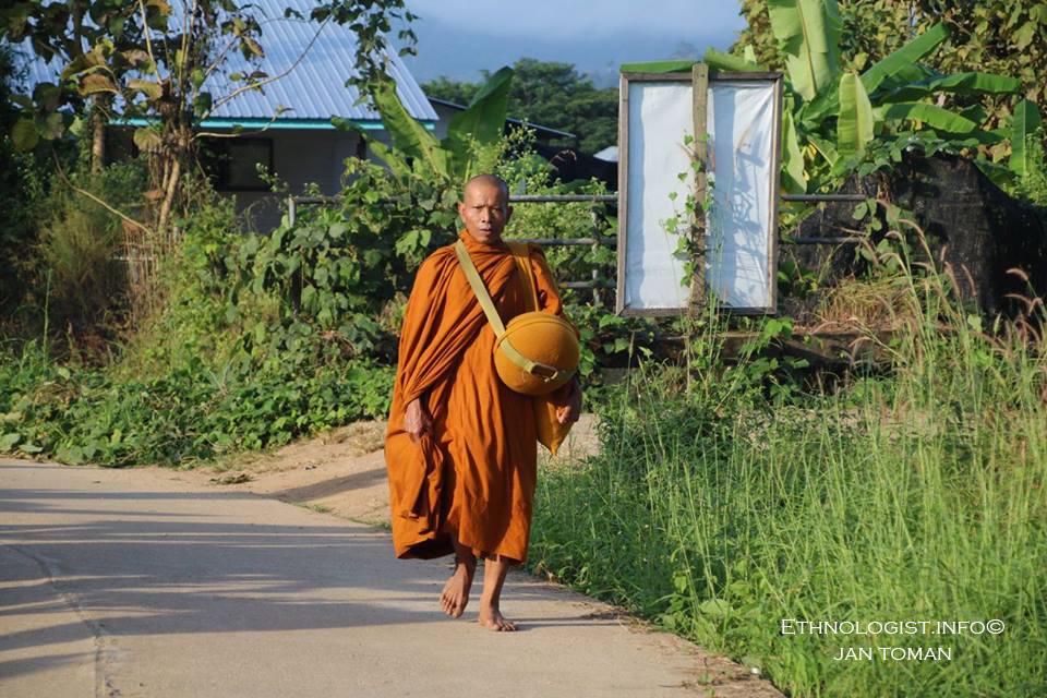 Buddhistický mnich v Thajsku. Foto: Jan Toman, 2017.