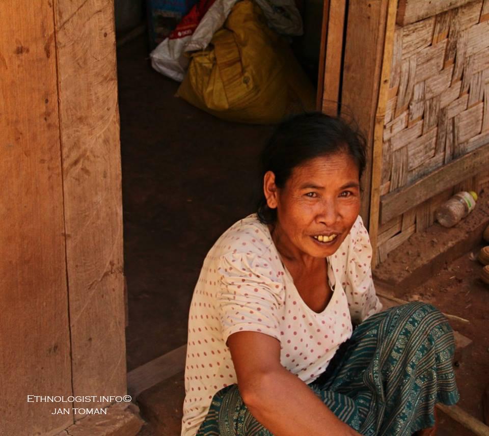 Portrét ženy kmene Khmu v Národním parku Nam Ha. Foto: Jan Toman, Laos, 2018.