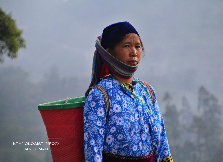Žena z Ha Giangu při východu slunce. Foto: Jan Toman, Vietnam.