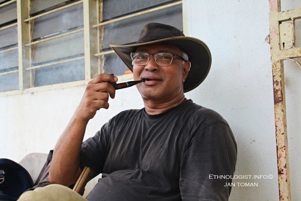 Pan Simon, jeden ze zakladatelů ekologické farmy v Malajsii. Foto: Jan Toman